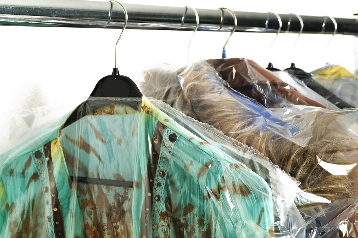 10 Kleiderschutzhüllen Abrissfolie 150 cm lang Folie Schutzfolie Hülle